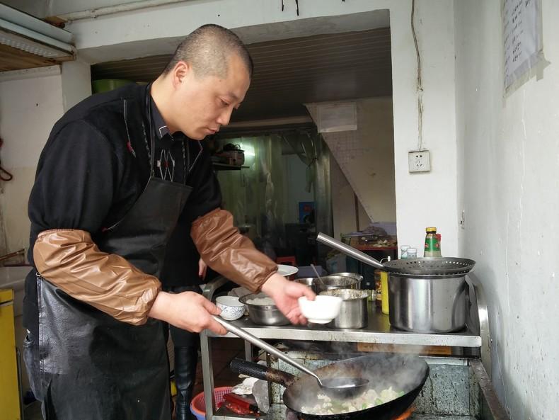 雕刻味道的人 缪老板(缪谊) Conjuror of Flavours Boss Miao (Miao Yi)
